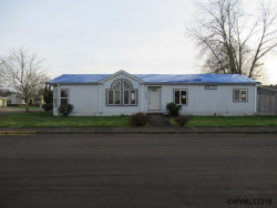 Photo of 1608 SW Sandalwood St, McMinnville, OR 97128 (MLS # 729125)