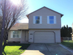 Photo of 922 Sagrada Cl N, Keizer, OR 97303 (MLS # 729336)