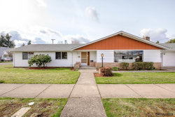Photo of 1090 S 5th St, Lebanon, OR 97355 (MLS # 729419)