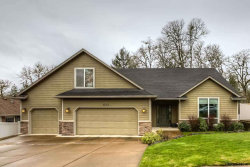 Photo of 533 NW Ashley Ct, Dallas, OR 97338 (MLS # 731973)
