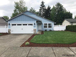 Photo of 4645 Fuhrer St NE, Salem, OR 97305 (MLS # 733717)