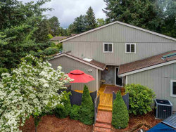 Photo of 959 NW 11th St, McMinnville, OR 97128 (MLS # 734080)