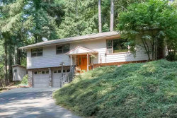Photo of 1075 NE Woodland Dr, Silverton, OR 97381 (MLS # 737308)