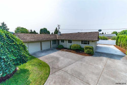 Photo of 744 E Hollister St, Stayton, OR 97383 (MLS # 737762)