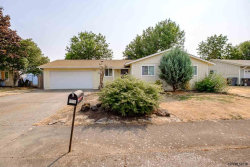 Photo of 665 S 16th St, Lebanon, OR 97355 (MLS # 737850)
