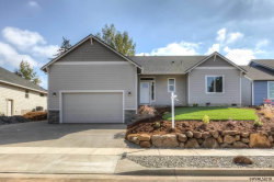 Photo of 1108 Jaysie Dr, Silverton, OR 97381 (MLS # 738008)