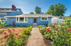 Photo of 117 NW Hillcrest Dr, Dallas, OR 97338 (MLS # 738215)