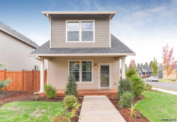 Photo of 1712 Wood Duck St, Silverton, OR 97381 (MLS # 740434)