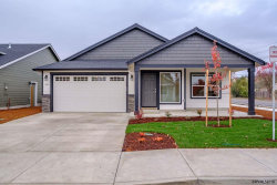 Photo of 1402 Northgate Dr, Independence, OR 97351 (MLS # 741998)