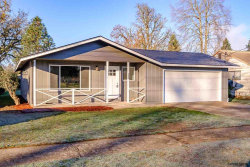 Photo of 340 S 6th St, Lebanon, OR 97355 (MLS # 742368)