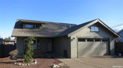 Photo of 338 Orchard Dr, Dallas, OR 97338-1150 (MLS # 744098)