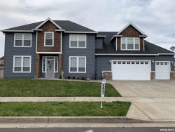 Photo of 2245 Summerview Dr, Stayton, OR 97383 (MLS # 745233)