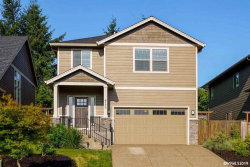 Photo of 108 NW Beaver Ct, Dallas, OR 97338-9274 (MLS # 745749)