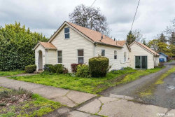 Photo of 1140 SE Lewis St, Dallas, OR 97338 (MLS # 745941)