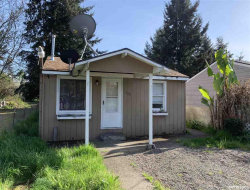 Photo of 220 High St, Jefferson, OR 97352 (MLS # 747967)