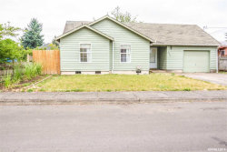 Photo of 680 S 3rd St, Jefferson, OR 97352 (MLS # 751135)