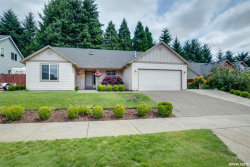 Photo of 922 Travis Dr, Silverton, OR 97381 (MLS # 751580)