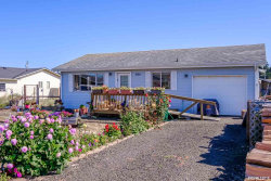 Photo of 606 NW Inn Wy, Waldport, OR 97394 (MLS # 752053)