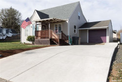 Photo of 1437 SW Tenth St, Dallas, OR 97338 (MLS # 753010)
