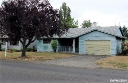 Photo of 2101 W Hayes St, Woodburn, OR 97071 (MLS # 753559)