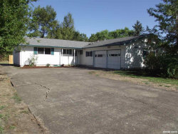 Photo of 2915 NE Lancaster St, Corvallis, OR 97330 (MLS # 753777)