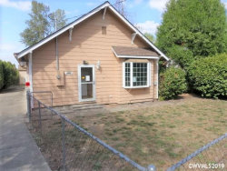 Photo of 528 Liberty (1/2) St, Silverton, OR 97381 (MLS # 755272)