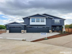 Photo of 123 NW Beaver Ct, Dallas, OR 97338-9274 (MLS # 755368)