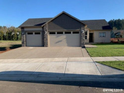 Photo of 902 Riley Dr, Silverton, OR 97381 (MLS # 756983)