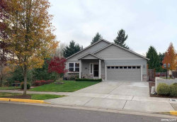 Photo of 812 North Pointe Dr NW, Albany, OR 97321 (MLS # 757421)