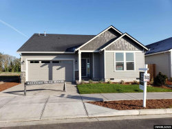 Photo of 1072 Chestnut St, Independence, OR 97351 (MLS # 759092)