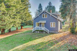 Photo of 9270 SW Edgewood St, Tigard, OR 97223 (MLS # 759405)