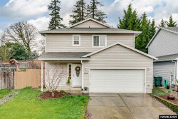 Photo of 809 Alexandra Dr, Newberg, OR 97132 (MLS # 759467)