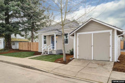 Photo of 312 D St, Silverton, OR 97381-1426 (MLS # 760184)
