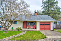 Photo of 419 S 2nd St, Silverton, OR 97381 (MLS # 760436)