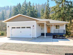 Photo of 1348 S Water St, Silverton, OR 97381 (MLS # 761147)