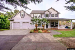 Photo of 850 Corby St, Woodburn, OR 97071 (MLS # 763642)
