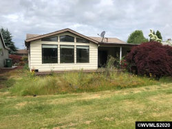 Photo of 186 S Columbia Dr, Woodburn, OR 97071 (MLS # 764740)