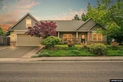 Photo of 704 NW Ashley St, Dallas, OR 97338 (MLS # 765774)