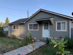 Photo of 160 W Olive St, Lebanon, OR 97355 (MLS # 765819)