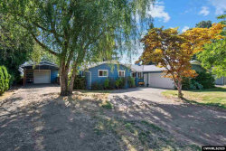 Photo of 250 SE Orchard View Ln, Dallas, OR 97338-9717 (MLS # 767040)