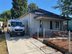 Photo of 424 23rd St NE, Salem, OR 97301 (MLS # 768852)