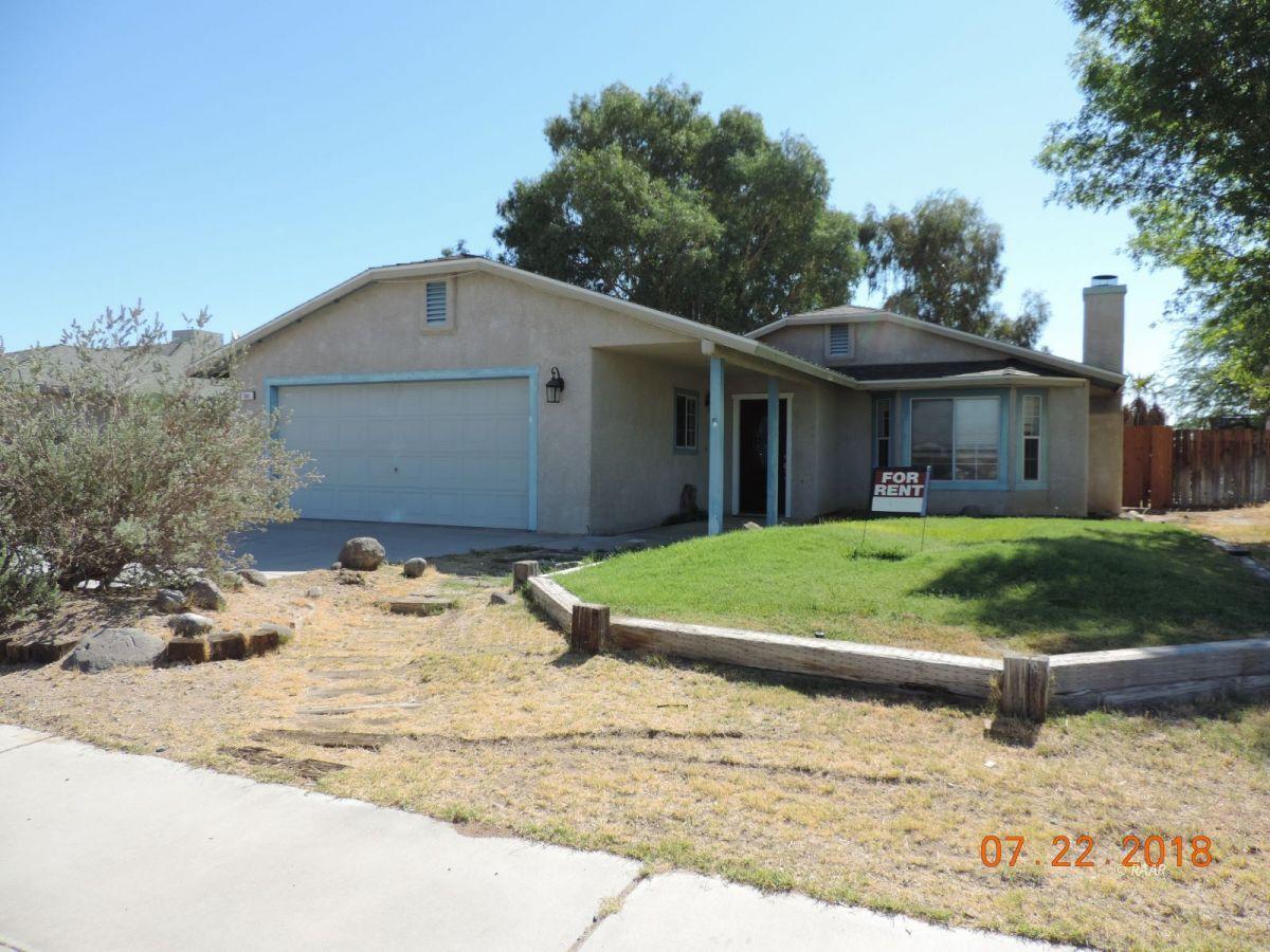 Photo for 332 N Kern ST, Ridgecrest, CA 93555 (MLS # 1957149)