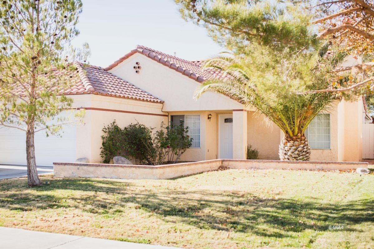 Photo for 707 La Paloma ST, Ridgecrest, CA 93555 (MLS # 1957358)