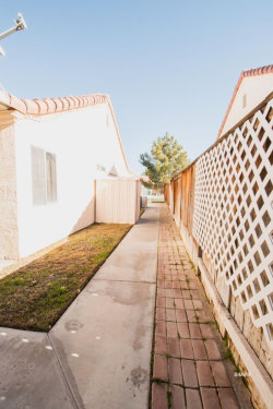 Tiny photo for 707 La Paloma ST, Ridgecrest, CA 93555 (MLS # 1957358)