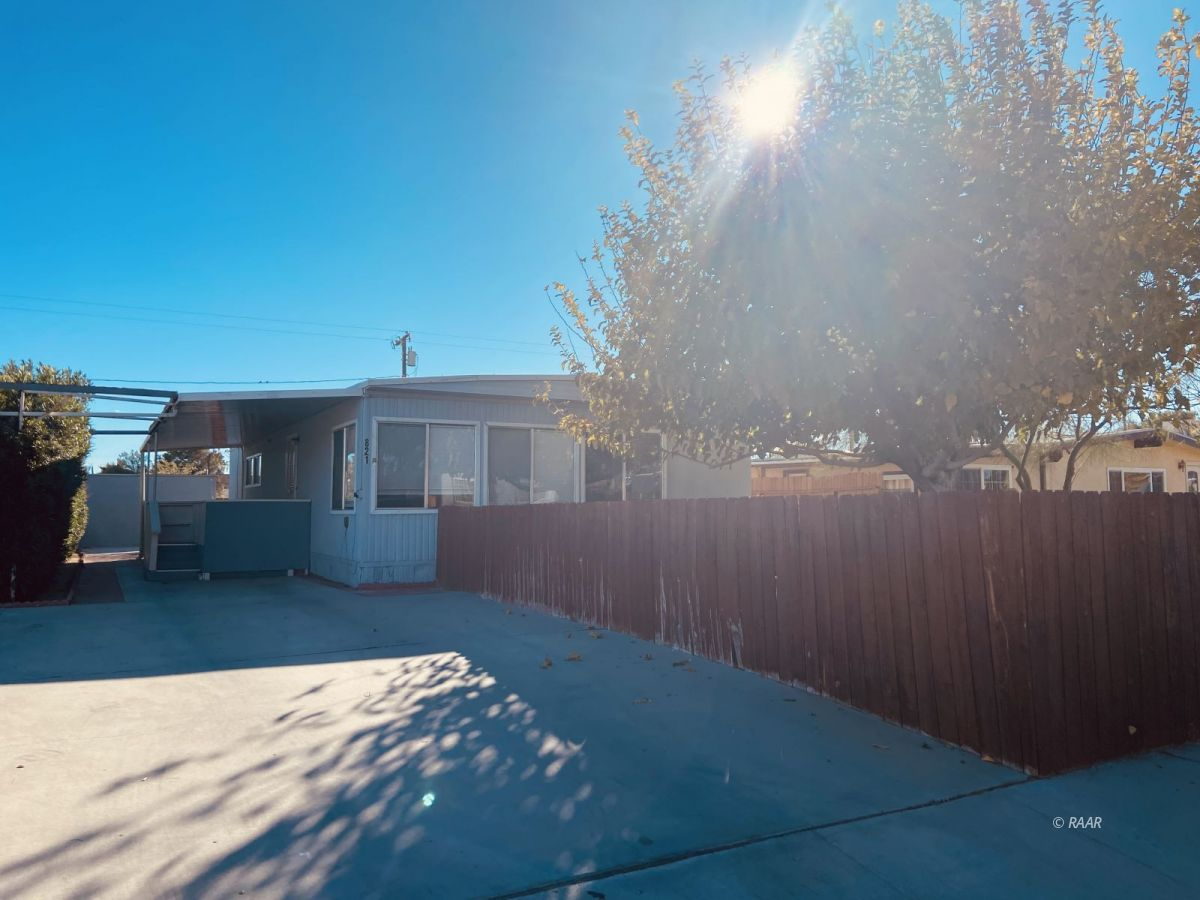 Photo for 821 W Reeves AVE, Ridgecrest, CA 93555 (MLS # 1957800)