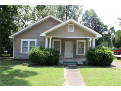 Photo of 803 W Tallassee Street, Wetumpka, AL 36092 (MLS # 420318)