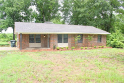 Photo of 808 Chase Drive, Deatsville, AL 36022 (MLS # 434155)