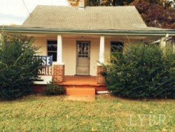 Photo of 822 South Street, Bedford, VA 24523 (MLS # 288565)