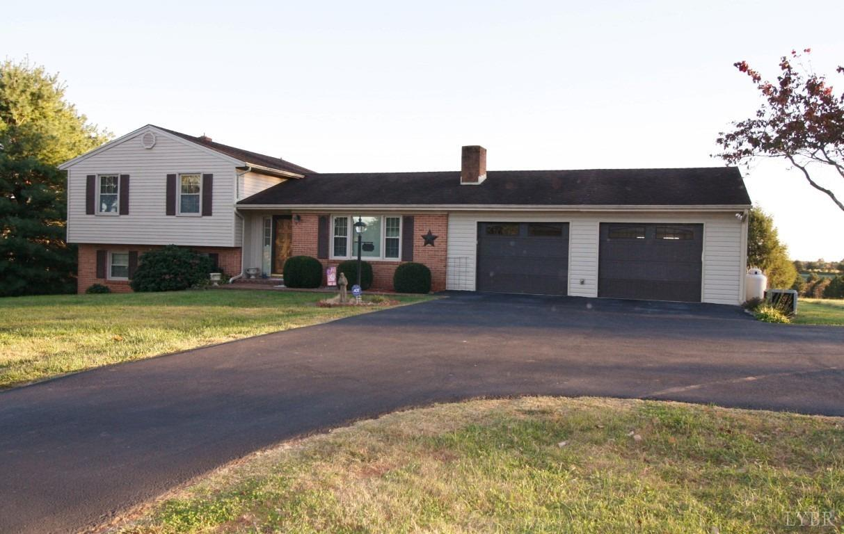 Photo for 5477 Forest Road, Bedford, VA 24523 (MLS # 315137)