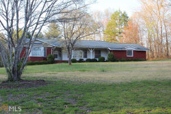 Photo of 1009 Hollywood Highway, Clarkesville, GA 30523 (MLS # 8561990)